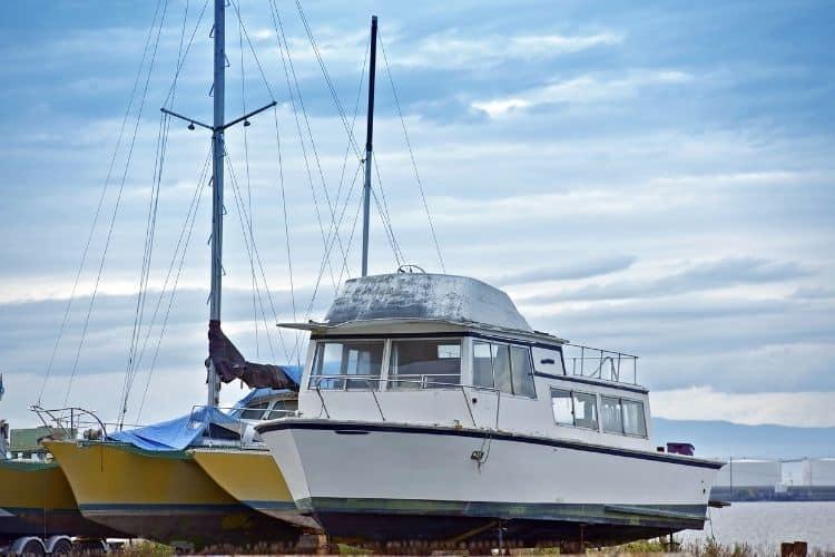 Pilothouse Boats