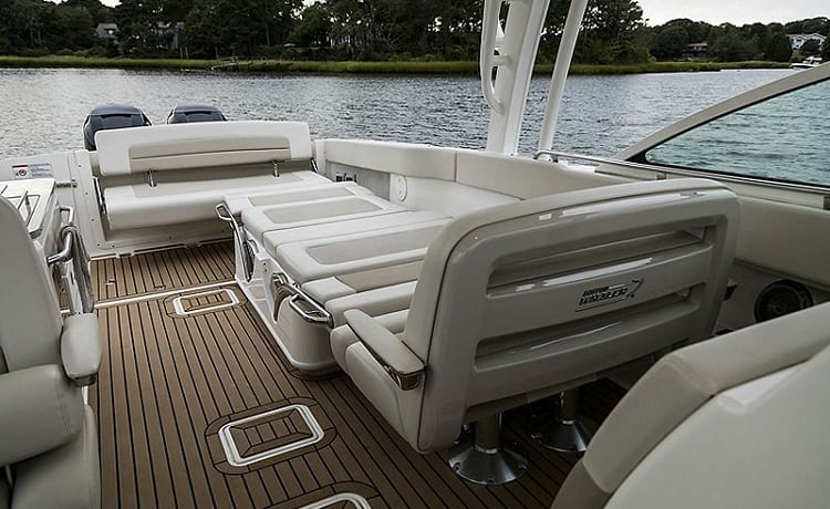 Primary Features Of Dual Console Boats